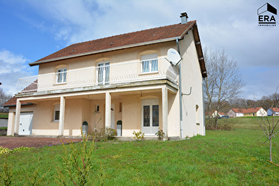 MAISON EXCELLENT ETAT 7/8 PIECES SUR 1000 M² ENV. TERRAIN LURE